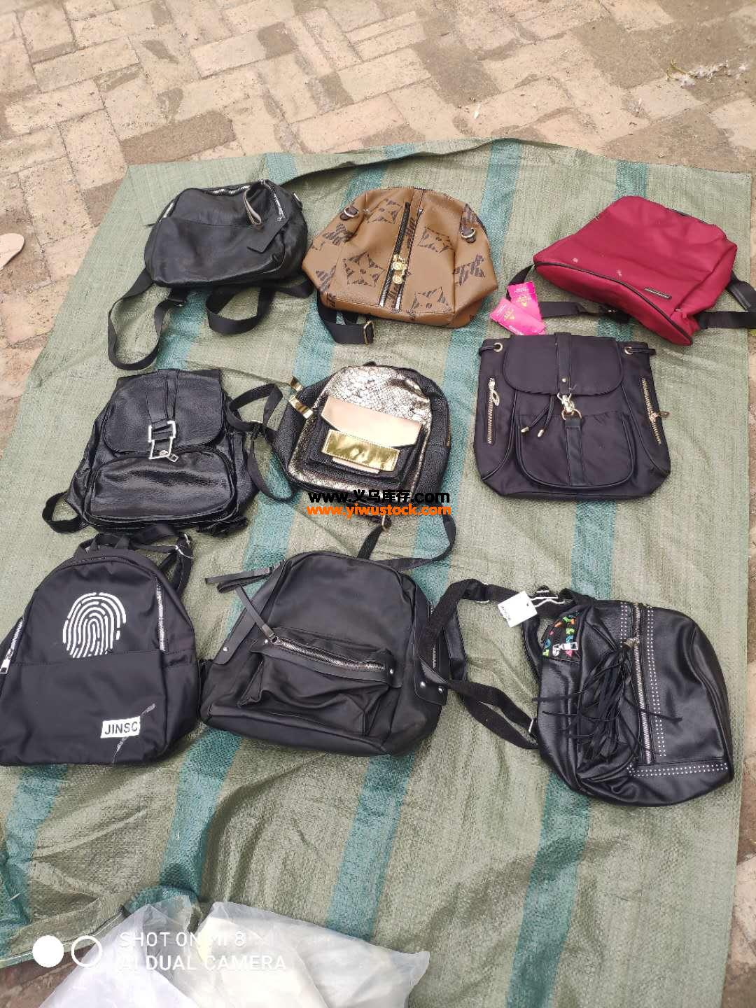 学生背包600个低价处理Student backpack 600 low price processing